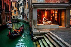 boat ride to bottega veneta :)