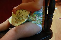 travel highchair pattern and tutorial; on the go highchair, great for use away from home where a highchair may not be available