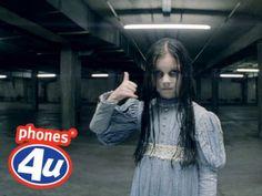 E se l'inquietante Samara di The Ring facesse la promoter? 10 spot di #Halloween mostruosamente divertenti 🎃🎃🎃