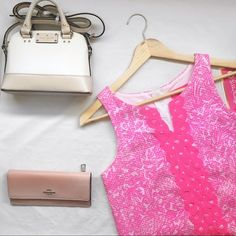 🆕 Lilly Pulitzer for Target dress Super cute dress. This is a children's size large which fits like a women's XS. 🆕 with tags. No trades. All other items pictured are also available for purchase 😁😘 Lilly Pulitzer for Target Dresses