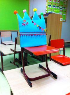 """Activități angajante pentru prima zi de școală – """"Spărgătoare de gheață"""", Vol. 3   Centrul de Resurse pentru Eco-bio Educație, Reziliență și Sustenabilitate K Crafts, Crafts For Kids, Fun Projects, Sewing Projects, Birthday Chair, Birthdays, Classroom, Activities, Party"""