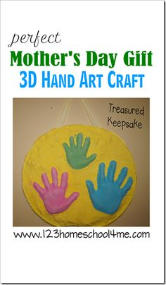 Super cute Mothers Day Project. This is simple to make and such a precious keepsake to hang on your wall forever.