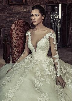 Buy discount Exquisite Tulle  amp  Satin Scoop Neckline Ball Gown Wedding  Dresses With Beaded Lace 5932d39bde58