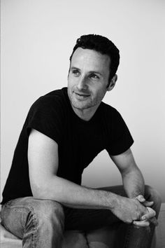 Andrew Lincoln in Plain Round Neck T-Shirt