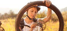 En nuestra primera entrega de consejos para reparaciones rápidas durante nuestras salidas en mountain bike nos centramos en las ruedas.  #mountainbike #btt #mtb #ciclismodemontaña