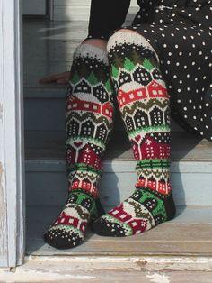 Neuleohje Heinikkilät-kirjoneulesukkiin - Handmade by Heini -verkkokauppa Fair Isle Knitting, Knitting Socks, Crochet Slippers, Knit Crochet, Knitting Patterns, Crochet Patterns, Cool Socks, Awesome Socks, Joko