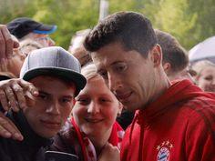 FC Bayern - AUDI - FOTOS Fahrzeugübergabe 2015