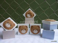 Caixinhas mdf vazias, revestidas de tecido e aplique de ursinho.  Tamanho da caixinha - 5,5x5,5x4cm  Quantidade mínima - 20  Tamanho 7x7x5cm - 7,40 R$ 5,90