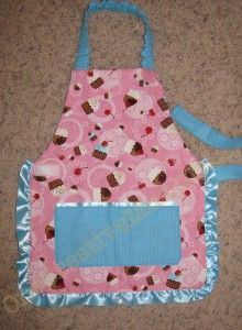 Children's Reversable Waitress Arpon Tutorial (Velcro makes this an apron kids can put on all by themselves) {OneCreativeMommy.com}