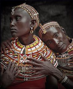 Samburu women, Kenya Sensational images of indigenous peoples by photographer Jimmy Nelson, from his book 'Before They Pass Away. African Tribes, African Women, African Art, African Countries, We Are The World, People Around The World, Beauty Around The World, Black Is Beautiful, Beautiful People