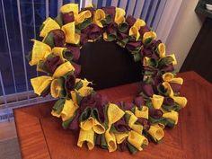 burlap mardigras wreath or add flowers and picks for autumn wreath Elegant Fall Wreaths, Easy Fall Wreaths, Diy Fall Wreath, Holiday Wreaths, How To Make Wreaths, Wreath Ideas, Thanksgiving Wreaths, Halloween Wreaths, Winter Wreaths