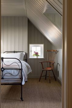 Farmhouse attic bedroom covered in tongue-and-groove panelling - we take a look at the work of interior designer, shopkeeper & architect Ben Pentreath, purveyor of modern English style. Cute Dorm Rooms, Cool Rooms, Home Decor Bedroom, Master Bedroom, Master Suite, Attic Bedrooms, Bedroom Red, Bedroom Photos, Bedroom Rustic