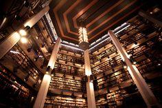 Biblioteca de Libros Raros Thomas Fisher – Toronto, Canadá  Cuenta con la mayor colección de libros raros y manuscritos abierta al publico canadiense. Alberga, por ejemplo, una extensa compilación de las primeras ediciones de los libros de Lewis Carroll, material biográfico y fotografías.