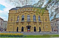 Szegedi Nemzeti Színház. Hungary Heart Of Europe, National Theatre, Homeland, Hungary, Budapest, Notre Dame, Places To Go, Travel 2017, Mansions