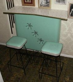 Turquoise Atomic Mid Century Modern Bar and stools. I would like this on an outdoor covered patio by the pool