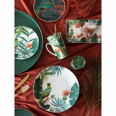 D cor mural Gold Metal and Tropical Print Glass Glass Wall Art, Stained Glass Art, Glass Vase, Pottery Painting, Ceramic Painting, Tropical Dinnerware, Smash Glass, Style Tropical, Velvet Nails