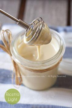 Montato su crema al miele - Ideas Debebidas Italian Desserts, Vegan Desserts, Just Desserts, Italian Recipes, Sweets Recipes, Cake Recipes, Mousse, Salsa Dulce, Creme Dessert