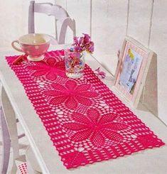 Crochet Knitting Handicraft: Beautiful Table Runner