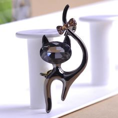 Aliexpress.com : Buy Hello Kitty Cat Brooches Wedding Broach Hijab Pin Hippocampal Broches Free Lots Brooch Bouquet Women Broach Animal Collar Pin from Reliable pin brooch shop suppliers on Piercing Shop | Alibaba Group