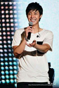 Kim Hyun Joong 김현중 ♡ smile ♡ happy ♡ Kpop ♡ Kdrama ♡