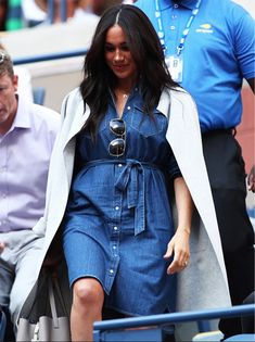 celebrity style meghan markle Meghan Markle Style and Fashion Update: Meghan Markle just wore the affordable fall staple every woman needs. Its currently on sale, but we have a. read more. Celebrity Summer Style, Celebrity Style Guide, Celebrity Style Inspiration, Meghan Markle Outfits, Meghan Markle Style, Meghan Markle Fashion, Fashion Updates, Fashion News, Fashion Outfits