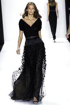 Bill Blass Spring 2007 Ready-to-Wear Fashion Show - Flavia De Oliveira Beautiful Gowns, Beautiful Outfits, Couture Fashion, Runway Fashion, Look Fashion, Fashion Show, Korean Fashion, Fashion Tips, Glamour
