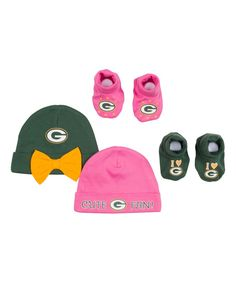 Gerber Childrenswear Green Bay Packers Bow Beanie   Bootie Set 43445a17aeb0