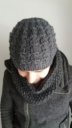 53e1dd8a0c2 Ravelry  Beanie Nuts pattern by ChristineROGER Knitted Hats