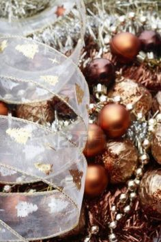 Golden and brown Christmas decorations