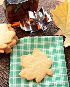 Crispy Maple Sugar Cookies Recipe