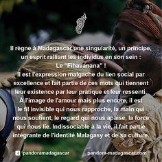 Le Fihavanana ! Il n'existe pas de traduction littérale dans les autres langues. Quels sont pour VOUS les mots qui puissent au mieux le décrire? #Havana #Famille #Partage #Amitié #Solidarité #Tolérance #Cohésion #Unité #Justice #Fraternité #Respect #Harmonie #Humain