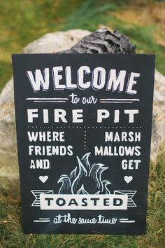 fall wedding inspiration | fire pit | wedding signs | v/ brit + co |