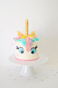Unicorn Cake, unicorn cake topper, unicorn horn, unicorn party, edible Unicorn horn by SmashCaked on Etsy