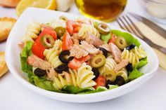 This tuna pasta salad is a great way to use up any leftover pasta you may have. This is a nutritious and delicious meal choice. Tuna Pasta Salad Recipe from Grandmothers Kitchen. I would substitute chicken for the tuna though! Tomato Pasta Salad, Sundried Tomato Pasta, Summer Pasta Salad, Tuna Pasta, Macaroni Salad, Tuna Recipes, Pasta Salad Recipes, Cooking Recipes, Healthy Recipes