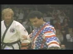 Chuck Norris (as himself) takes on Kelly Stone (Joe Piscopo) in the championship match. Martial Arts Workout, Greatest Movies, Jason Statham, Chuck Norris, Bruce Lee, Taekwondo, Karate, Pdf
