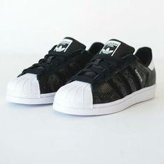 Adidas Superstar - Black and White