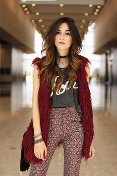 Montei um look Renner no Nações Shopping, uma produção de outono com calça flare, colete de pelos e muitos acessórios.Confere só!