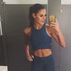 Wanna look stylish and be comfortable at the same time while working out? Fitness Outfits, Fitness Fashion, Fitness Inspiration, Body Inspiration, Best Leggings, Awesome Leggings, Workout Attire, Workout Men, Boxing Workout