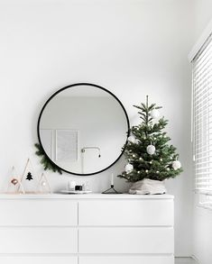 How To (Affordably) Decorate Every Room for the Holidays | you can embrace the tinsel and thrills on a budget. So I gift to you a quick guide to affordable (and DIYable) holiday decor to fill every room.