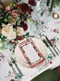 Plateau d/écoratif avec d/écorations de Table Modernes Environ 40 x 14 x 3 cm. D/écoration de Table pour la Maison