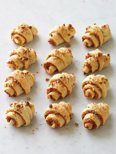 Rugelach with Apricot and Pistachios Recipe Rugelach Cookies, Cookie Recipes, Dessert Recipes, Pistachio Recipes, Snacks To Make, Soft Foods, Xmas Food, Food Test, Recipes