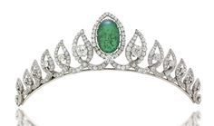 A diamond  and cabochon emerald tiara/necklace by Monture Cartier, 1953. It was likely made for the coronation of Queen Elizabeth II.