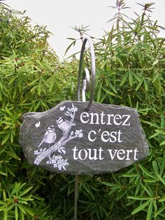 "# creationtrogodyte decoration in garden slate, shield, decorative decoration in ""Tit"" slate, house plaque, with the creation of trumpet . Garden Deco, Garden Art, Garden Design, Design Jardin, Balloon Decorations, Christmas Decorations, Holiday Decor, Christmas Ad, Christmas Ornaments"