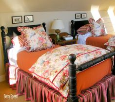 Betsy Speert's Blog: Getting a Cottage Look With Mixed Patterns