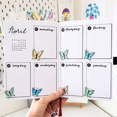 Bullet Journal Tracker, April Bullet Journal, Bullet Journal Monthly Spread, Bullet Journal Cover Page, Bullet Journal Notebook, Bullet Journal School, Bullet Journal Themes, Bullet Journal Ideas Pages, Bullet Journal Layout