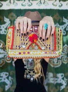 FLASH SALE ‪#‎FRIDAY‬ ! Beat ‪#‎Fridaythe13th‬ superstition and add some colour to your wardrobe by shopping our India collection at a discount - for 24 hours only. See? Good things do happen on freaky Friday.. #boho #bohoclutch Shop online: http://be-snazzy.com/collection/india