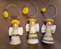 Set of 2 Button Angel Ornaments - weihnachten - unique crafts Button Ornaments Diy, Christmas Button Crafts, Ornaments Image, Christmas Buttons, Cheap Christmas Gifts, Homemade Christmas Decorations, Ornament Crafts, Angel Ornaments, Diy Christmas Ornaments