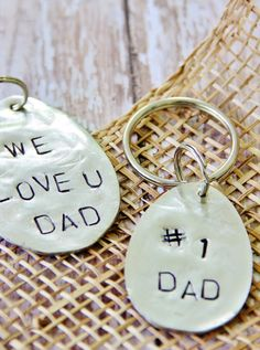 DIY gift for dad: Stamped spoon key ring