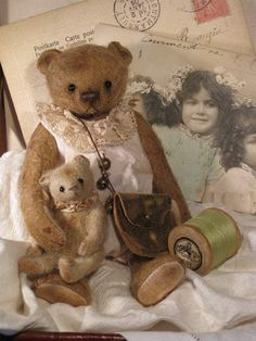 Esme and Edmund by The Old Post Office Bears Old Teddy Bears, Vintage Teddy Bears, My Teddy Bear, Vintage Toys, Stuffed Animals, Cute Bear, Old Post Office, Raindrops And Roses, Shabby
