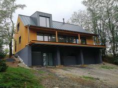 Montovaný dom v Lozorno od Gonda - Prva tesárska s. Cabin, House Styles, Twitter, Home Decor, Decoration Home, Room Decor, Cabins, Cottage, Home Interior Design